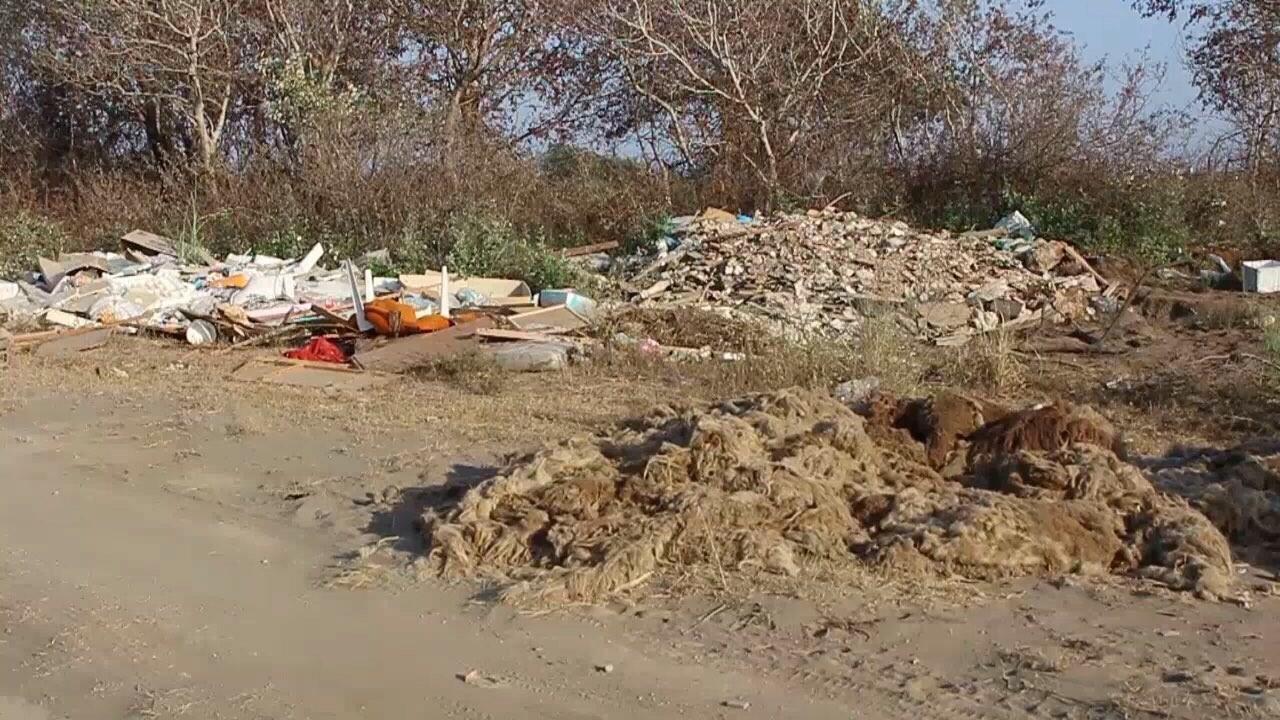 Mbeturinat, Otpad, Pjesa e pasme e Plazhit te madh