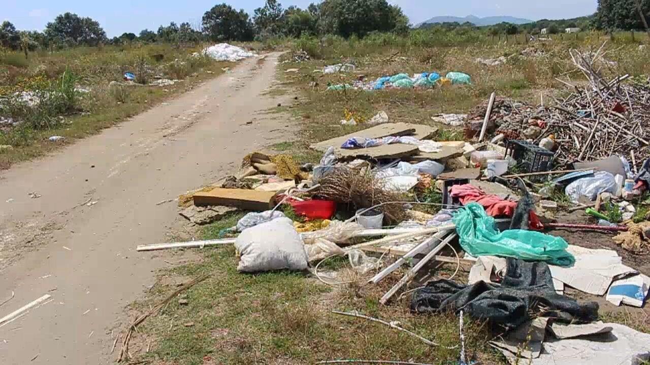 Mbeturinat, Otpad, Plazhi i madh
